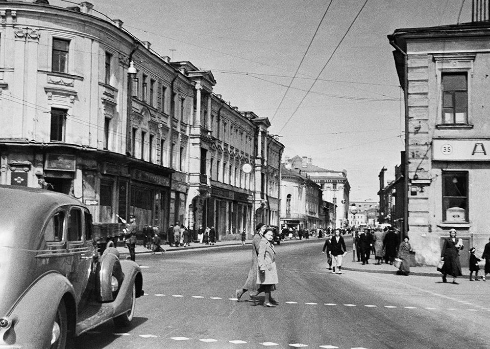 Улица Горького до реконструкции, 1946 год