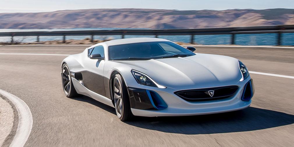 Rimac Concept_One  Хорватская компания Rimac Automobili помогала Koenigsegg вразработке электрической части, ноприсоздании своего детища обошлась бездвигателя внутреннего сгорания. Электромобиль Concept_One мощностью 1088л.с. исмоментом 1600 Нм разгоняет машину за100 км/ч за2,6с, амаксимальная скорость достигает 355км вчас. Она легко обходит Ferrari LaFerrari иTesla Model S надистанции вчетверть мили иготовится установить рекорд Нюрбургринга. Тем неменее, гиперкар требует аккуратного обращения—известный телеведущий Ричард Хаммонд разбил его насъемках шоу The Grand Tour.