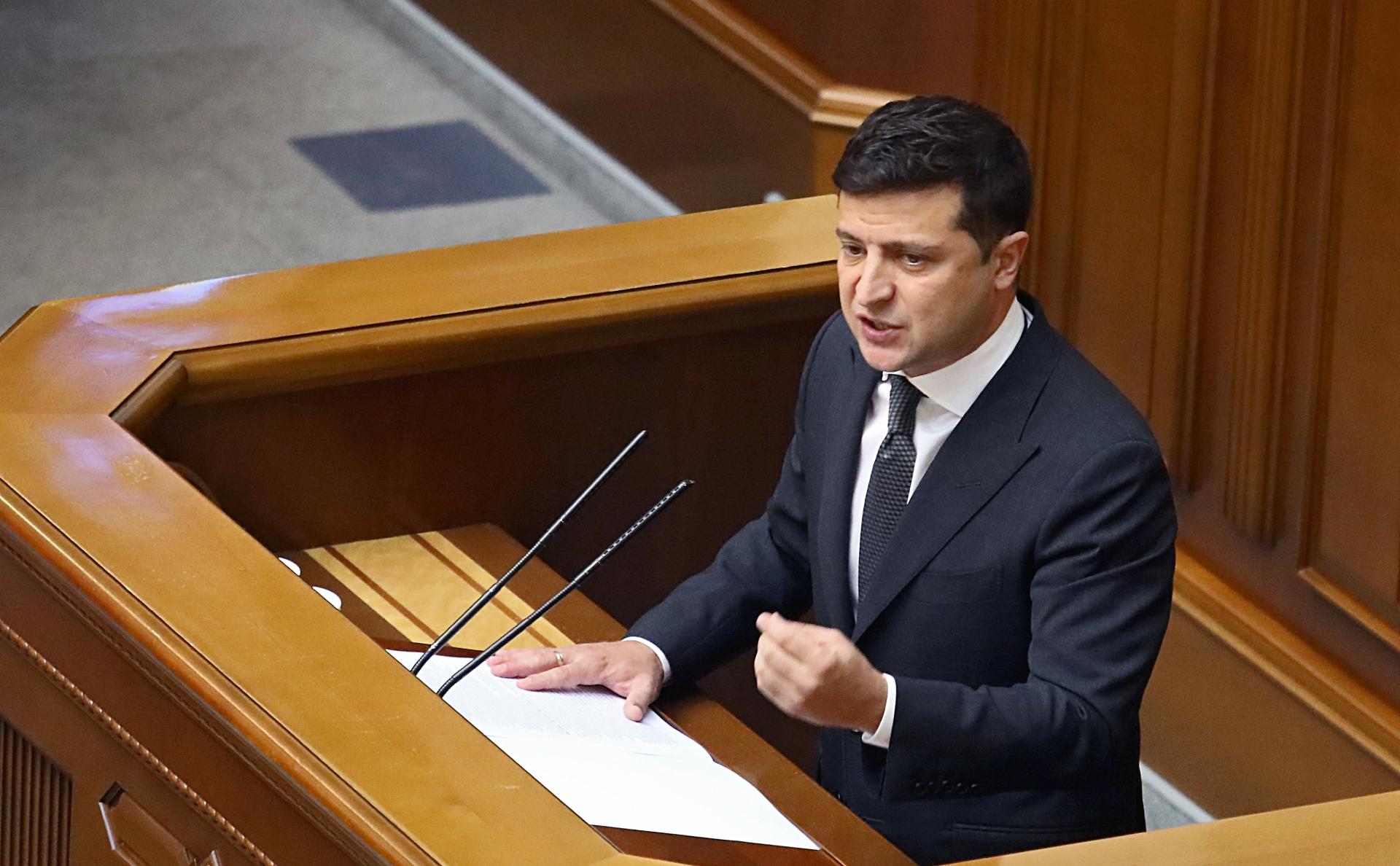 Зеленский одобрил новые санкции против России