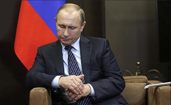 Рекордное число россиян перестали верить в победу Путина над коррупцией