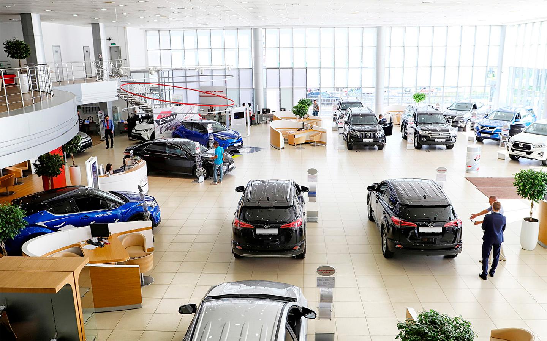 <p>За полгода в России купили 399&nbsp;822 внедорожника и 552 электрокара.</p>