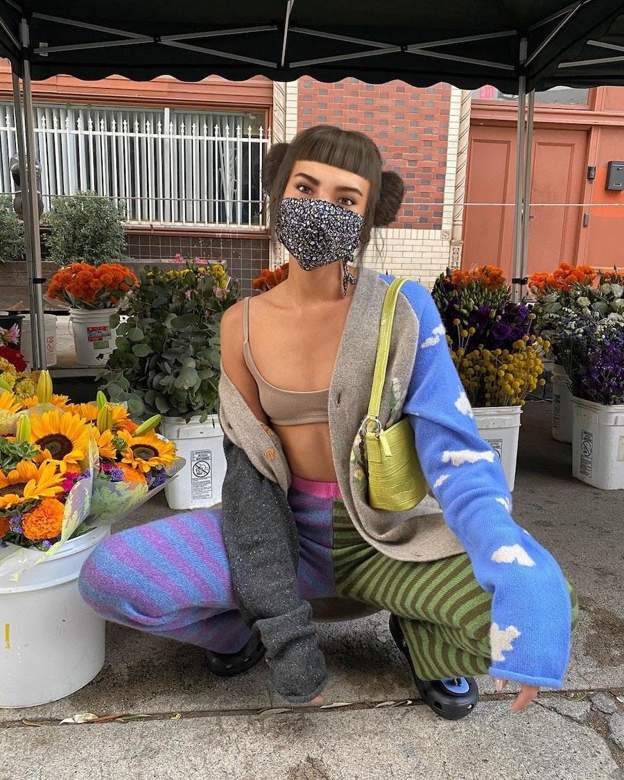 Виртуальный инфлюенсер Лил тоже носит маску