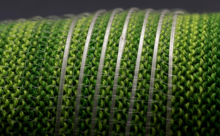 Цифровое волокно, вшитое в ткань