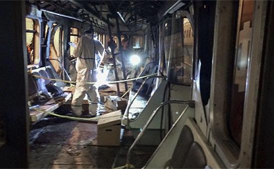 На месте взрыва в метро Санкт-Петербурга