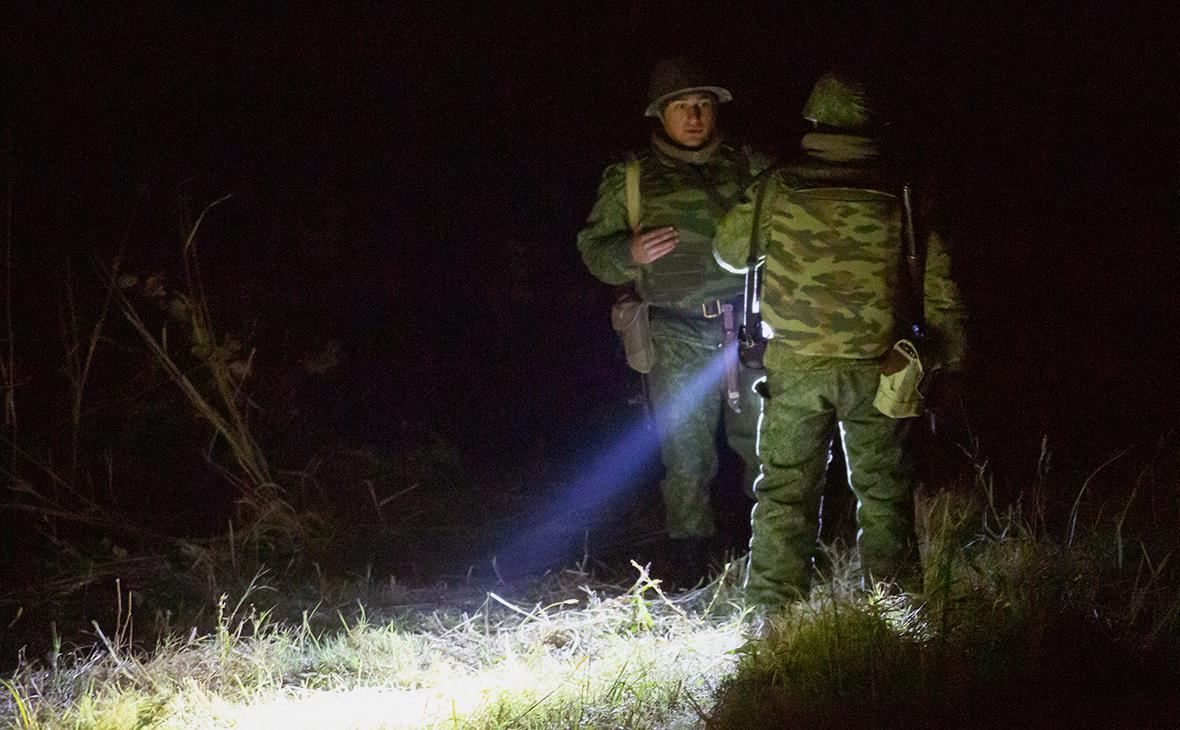Поисковые работы на месте крушения российского вертолета Ми-24