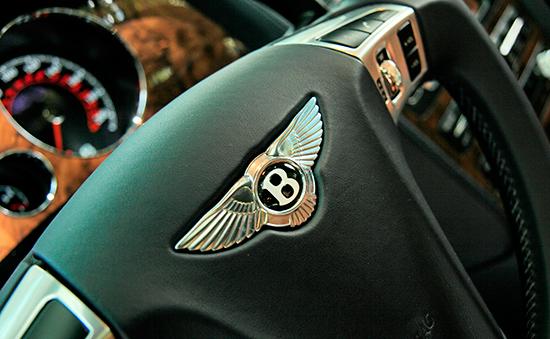 Салон автомобиля марки Bentley