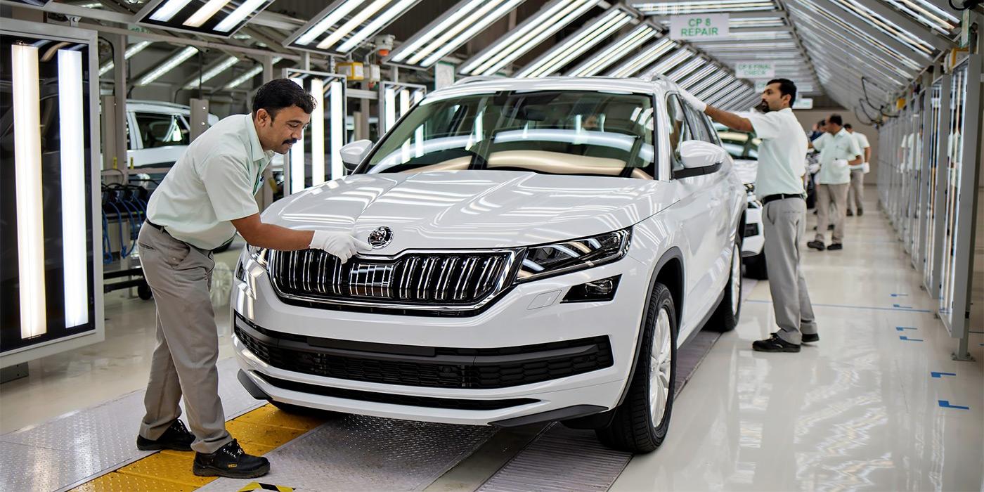 <p>Производственная мощность завода Skoda в Индии&nbsp;&mdash; 40&nbsp;000 автомобилей в год. В 2019 году чехи продали здесь 15&nbsp;121 автомобиль.</p>