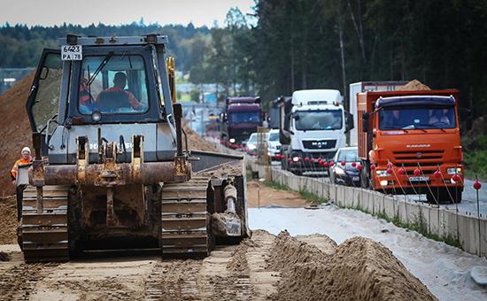 Участок строительства пятого пускового комплекса ЦКАД в селе Петровское Наро-Фоминского района. Август 2016 года