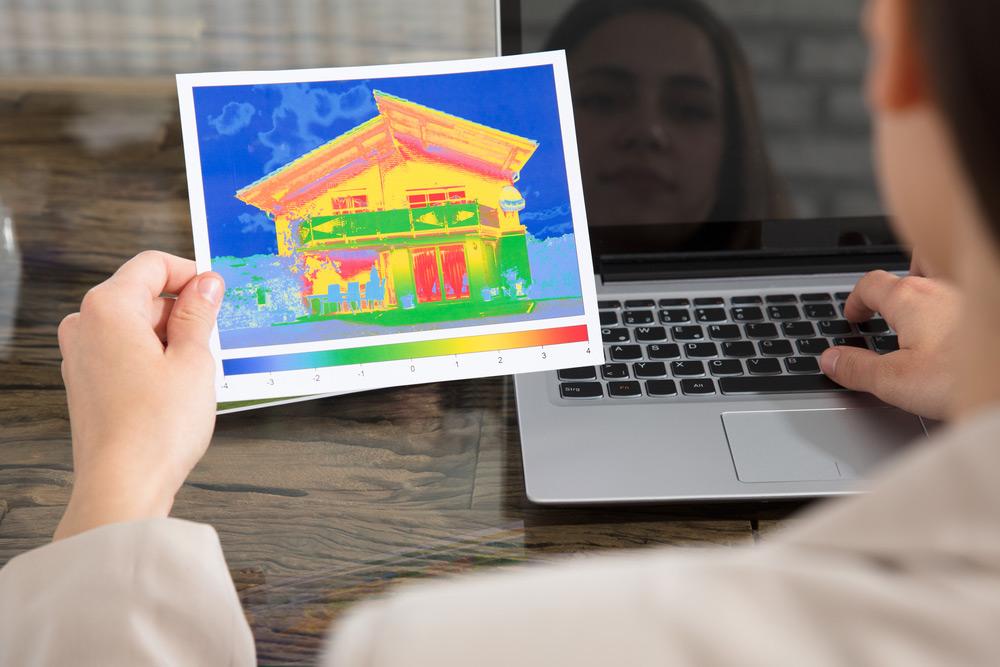 Заказанная тепловизионная карта поможет определить слабые места в тепловом контуре дома