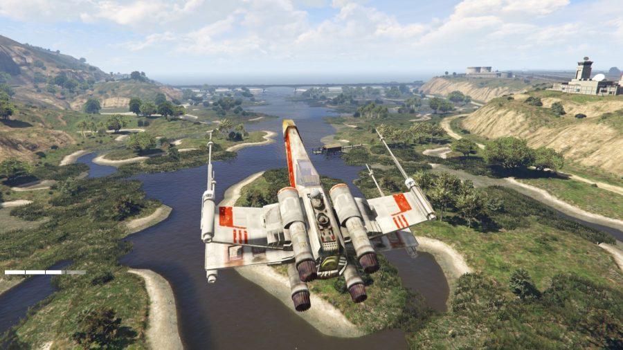 Пример мода: X-Wing из «Звездных войн», заменяющий обычную модель самолета в GTA V