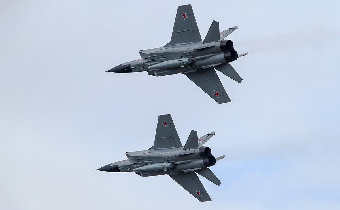 Самолеты «МИГ-31», вооруженные ракетным комплексом «Кинжал»