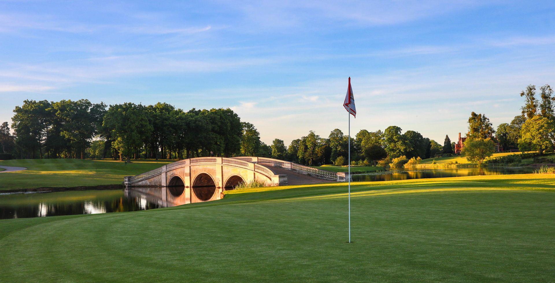 Фото:https://www.stokepark.com/golf/index.html