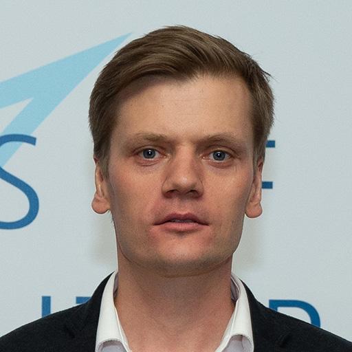 Артём Кореняко