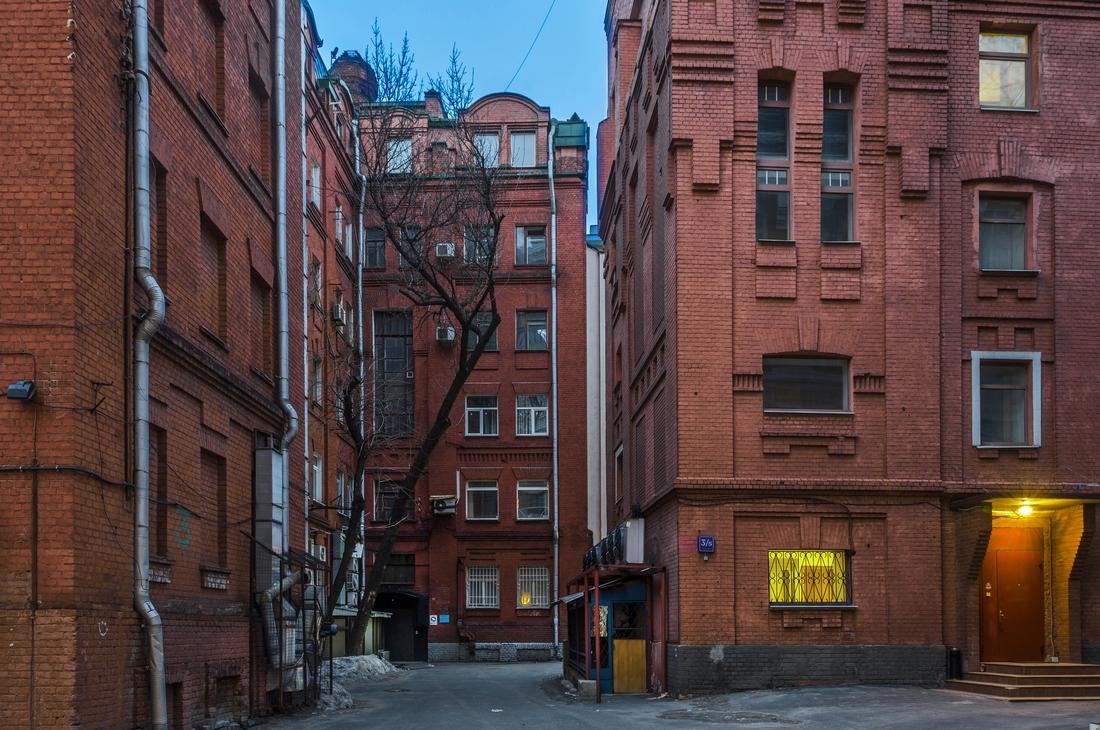 В кирпичных зданиях Москвы обычно располагаются офисы либоапартаменты