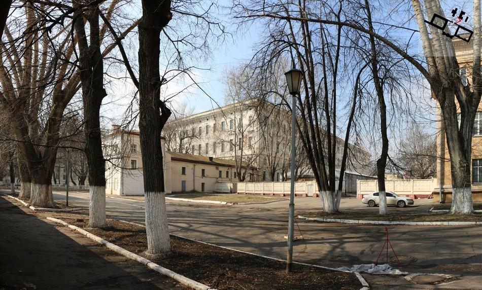 В разные годы здесь располагались Николаевский институт дляштаб- иобер-офицерских сирот, Институт педиатрии иДом охраны младенца