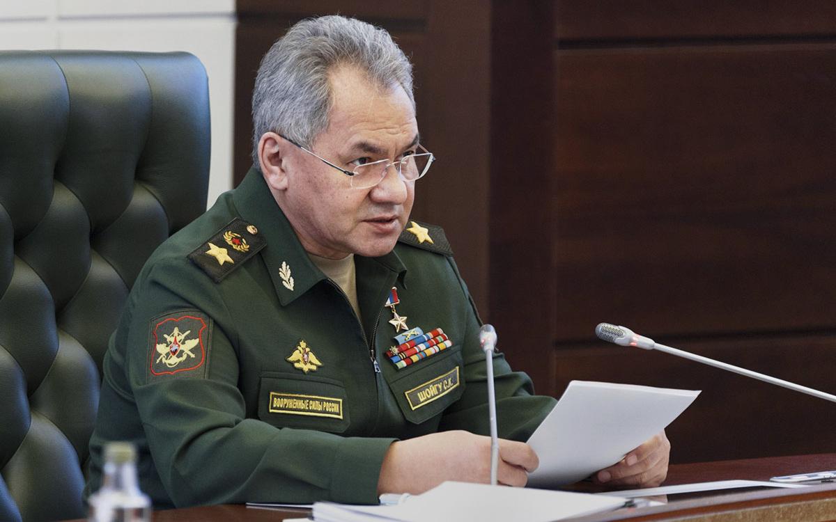 Шойгу назвал сложной обстановку у южных и западных границ России