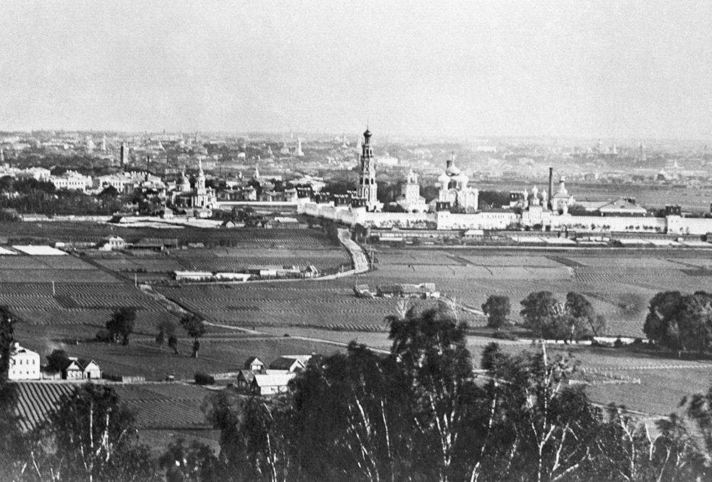 Вид на Новодевичий монастырь, 1899 год