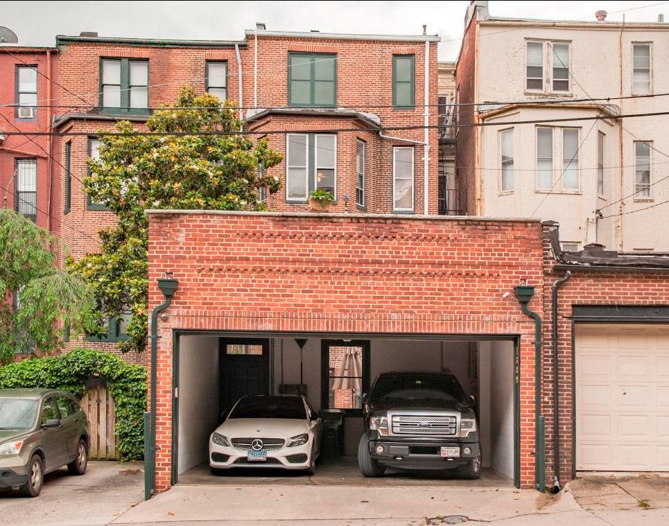 Двухместный гараж длямашин больших размеров