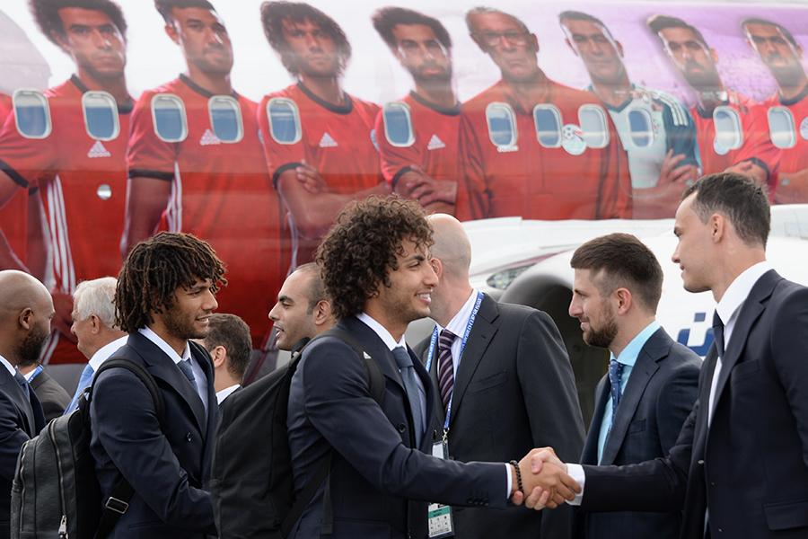 Слева направо: игроки сборной Египта Мохамед эль-Нени и Амр Варда