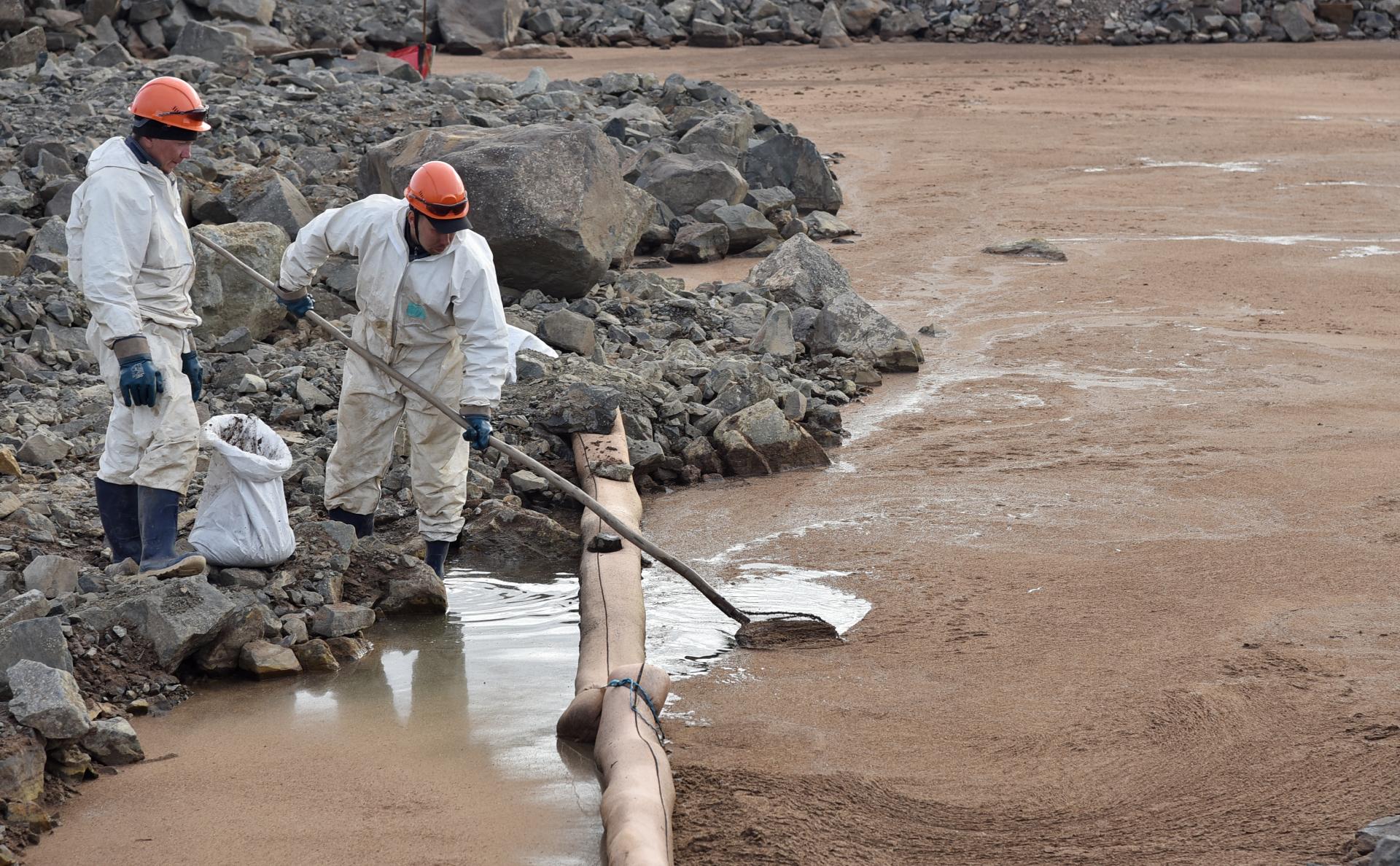 Сбор нефтепродуктов с грунтовых вод