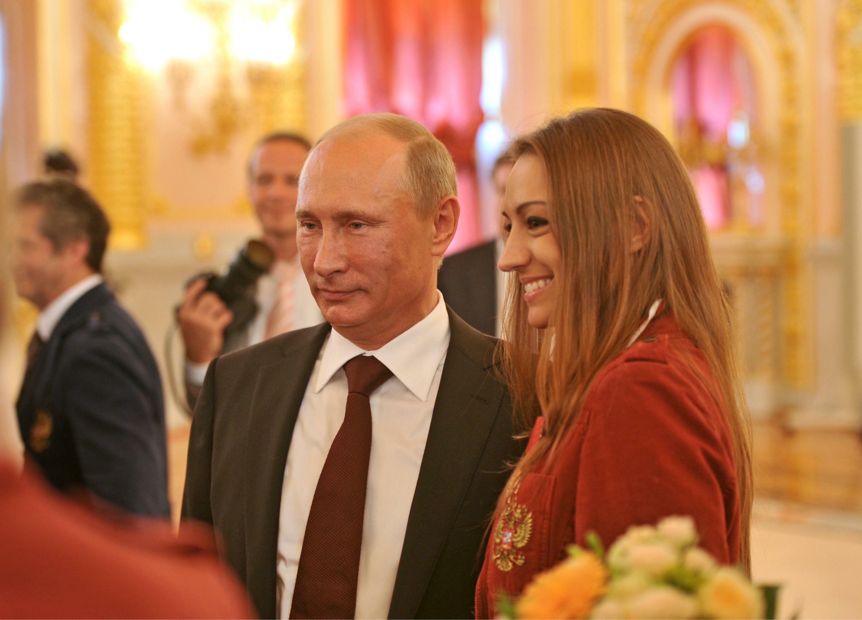 Фото:Владимир Путин и Евгения Канаева (global look press)
