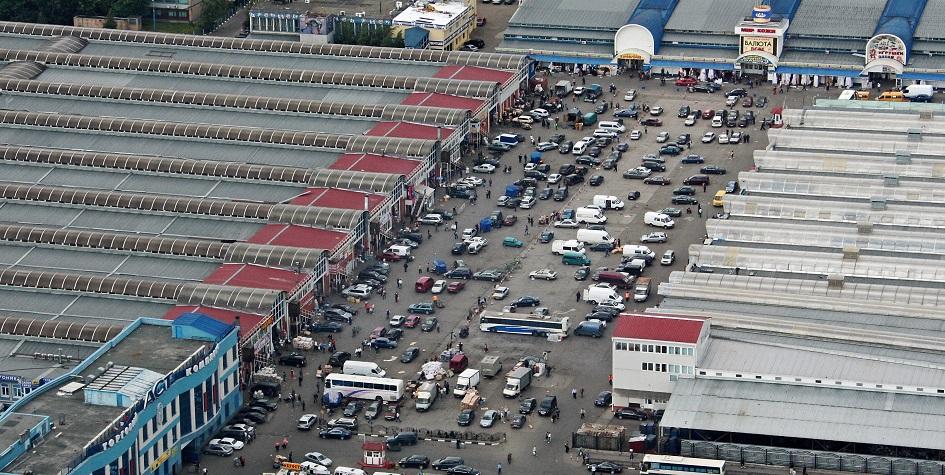 Фото: Черкизовский рынок до сноса. ИТАР-ТАСС/ Марина Лысцева