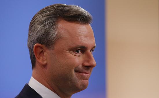 Кандидат отправой партии Норберт Хофер