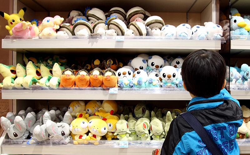 Персонажи мультфильма «Покемон» ввиде мягких игрушек