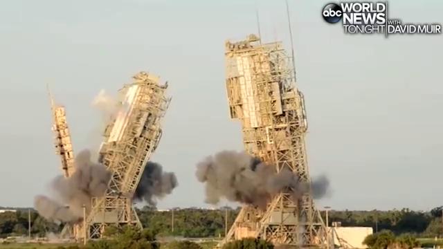 Картинки по запросу фото В США взорвали две башни стартового комплекса на мысе Канаверал