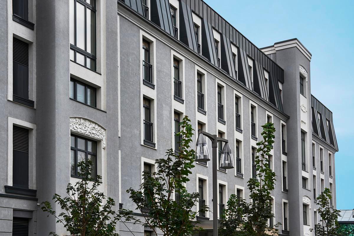 Клубный дом MOSS Apartments расположен в Басманном районе. Здесь — квартиры площадью до 170 кв. м с отделкой. В пентхаусе пять этажей, есть лифт. Также жильцам предоставляются услуги бутик-отеля. Подробнее...