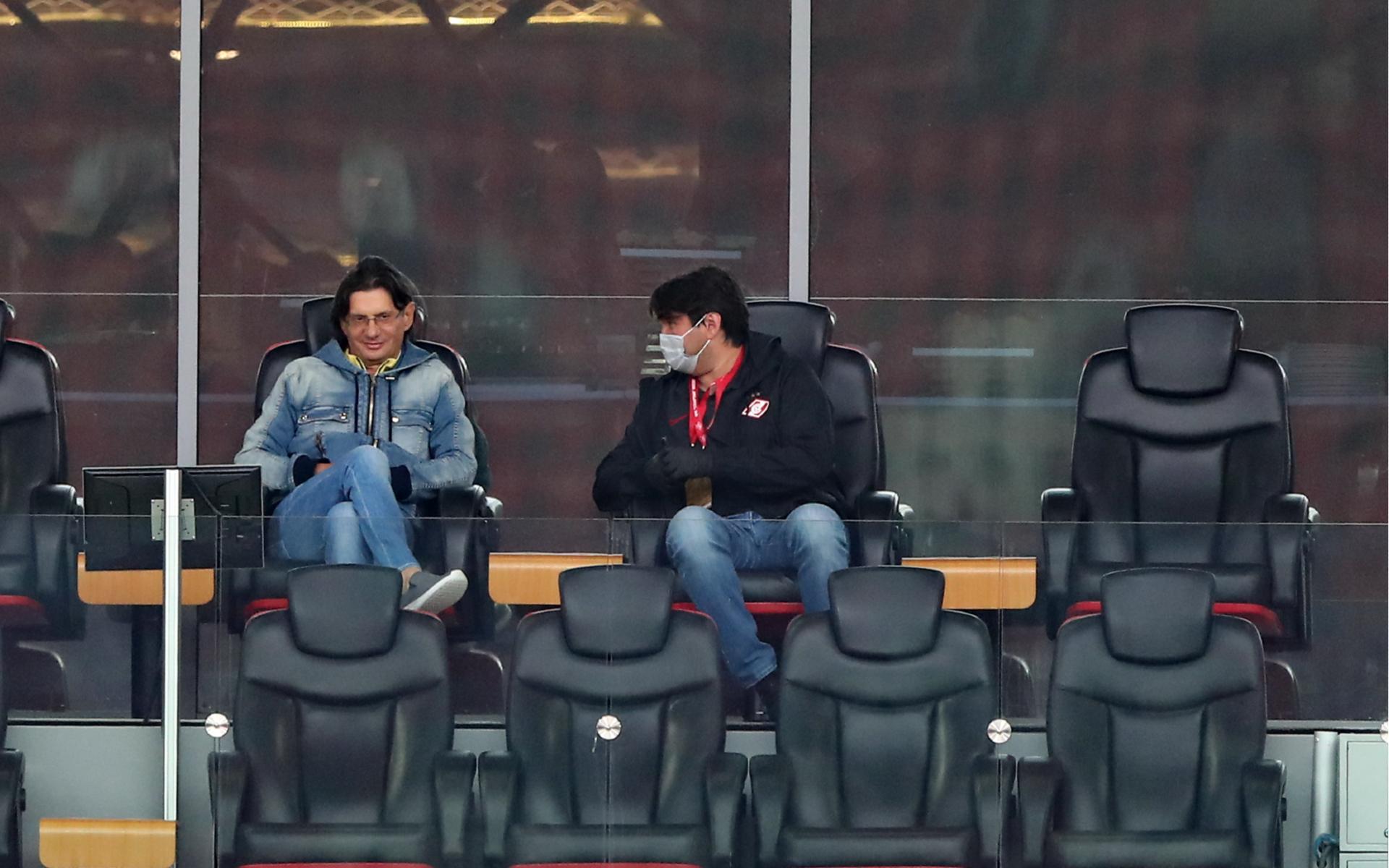 Фото: Леонид Федун (слева) и Шамиль Газизов (справа)  (Олег Бухарев/ТАСС)