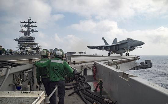 Американский истребитель-бомбардировщикF/A-18E