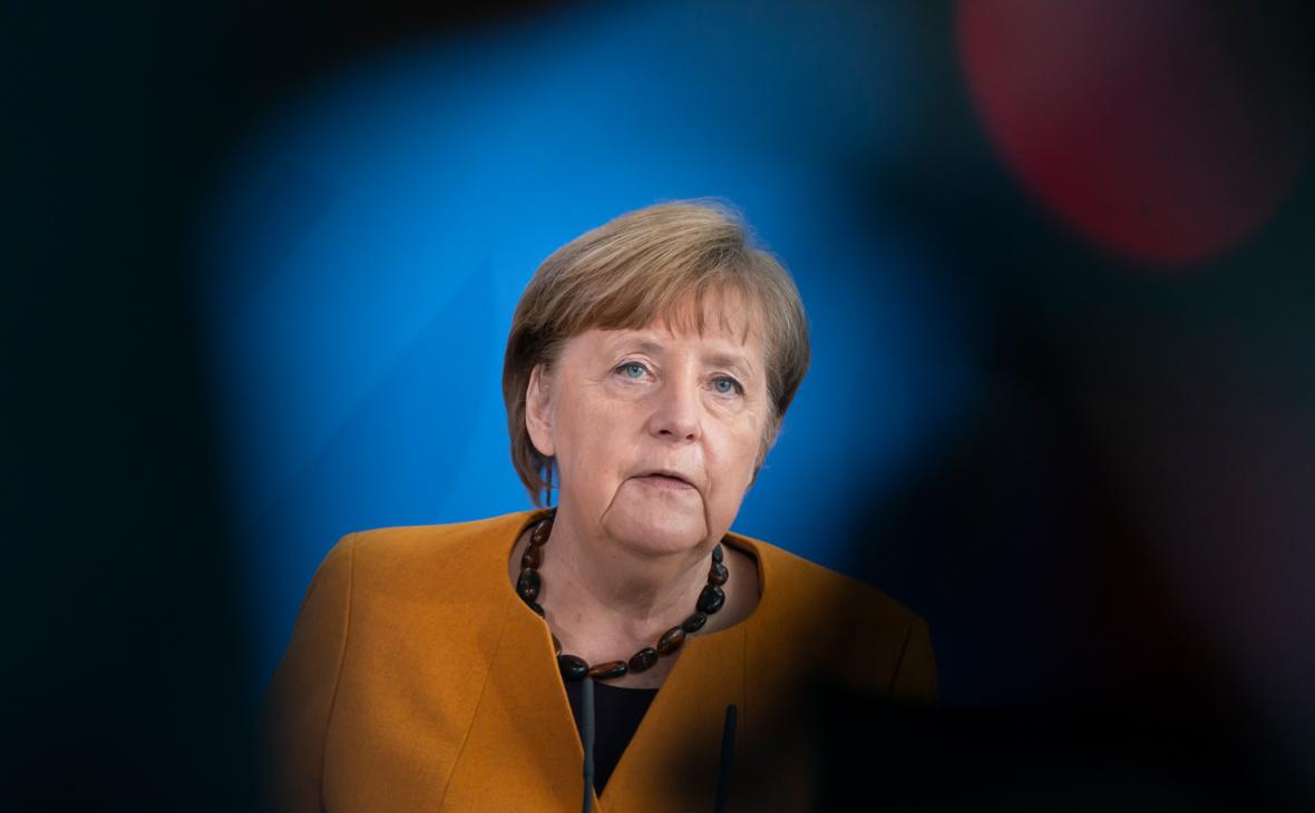 Кремль опроверг требование Меркель свернуть военное усиление у Украины