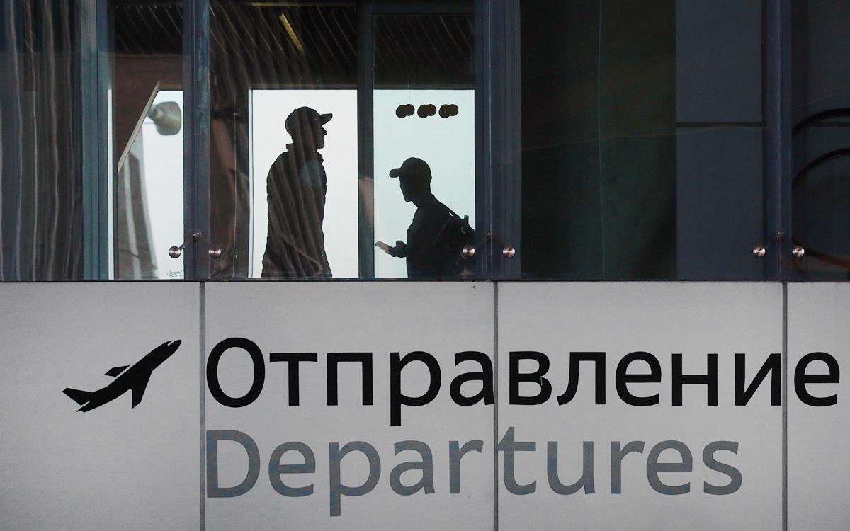 В аэропорту Пулково назвали дату открытия курилок