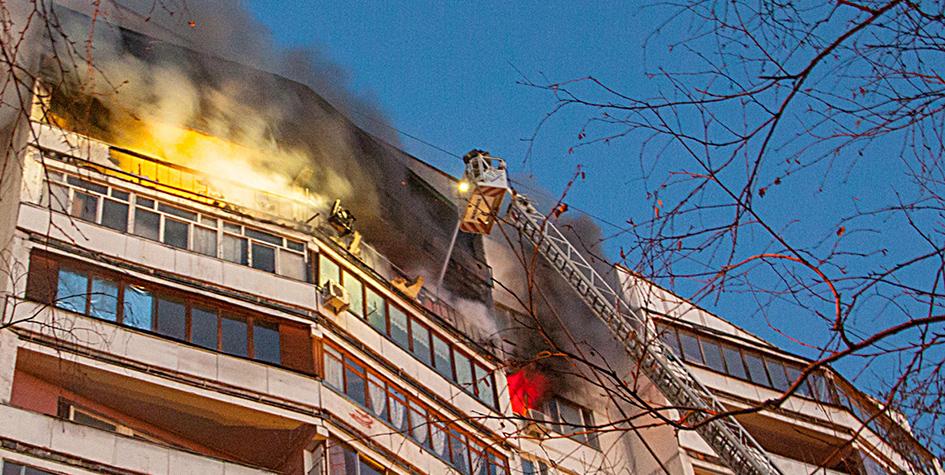 Ликвидация пожара в жилом доме на Шоссейной улице в Москве