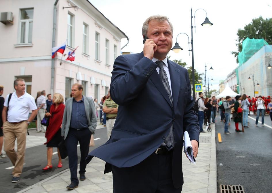 Сергей Капков во время открытия новой пешеходной зоны на Пятницкой улице. 2014 год