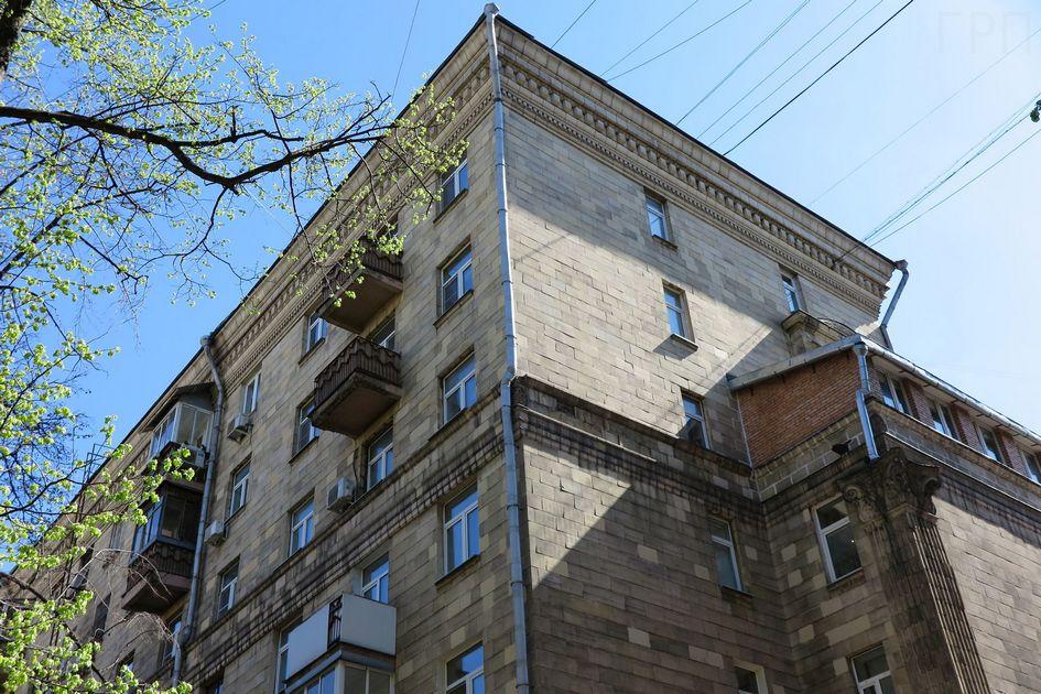 Многоквартирный дом с дополнительными площадями на улице Фадеева