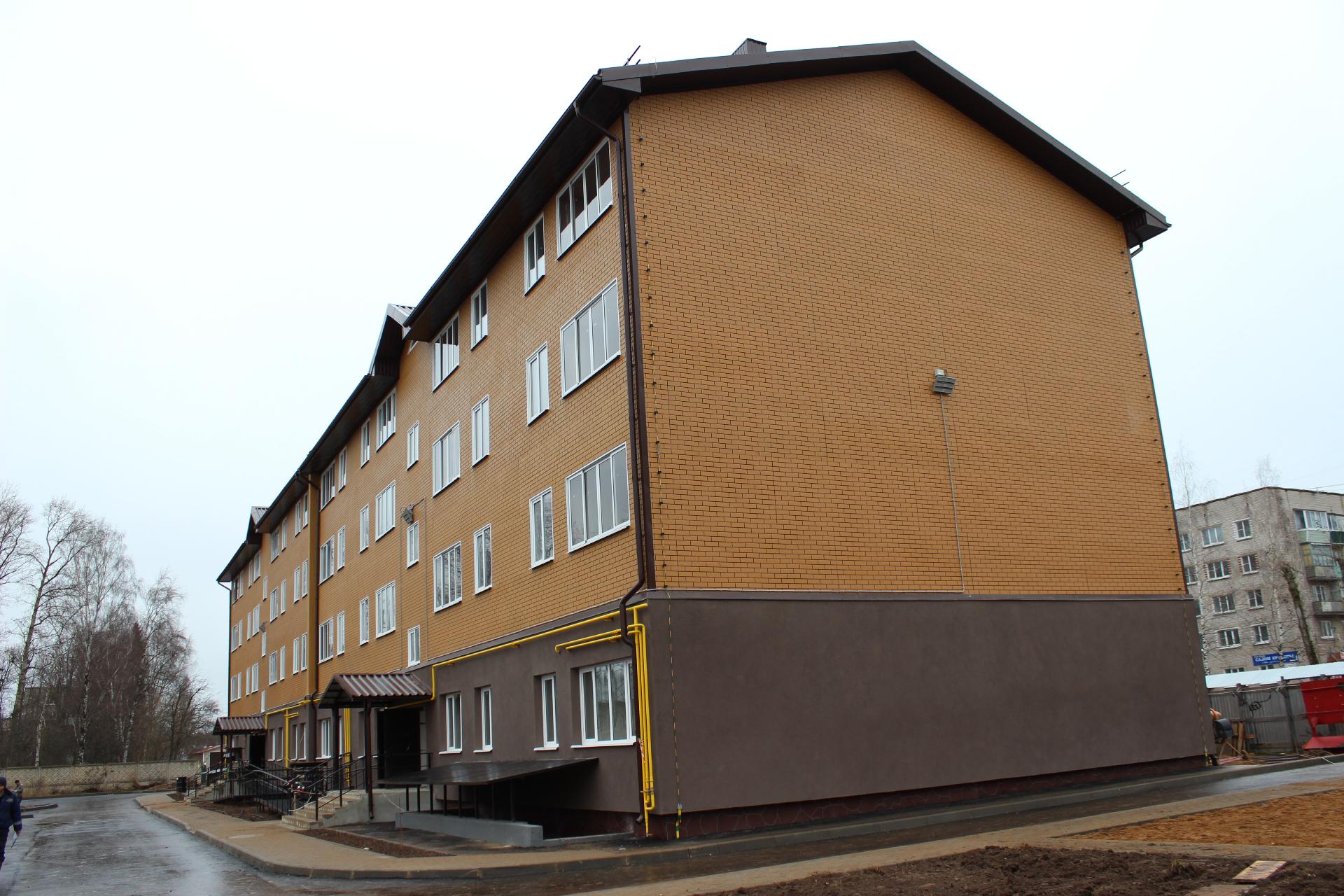 Жилой четырехэтажный дом в Торжке