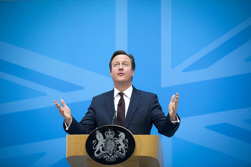 Премьер-министр Великобритании Дэвид Кэмерон  «Мы неможем позволить одной стране мешать поиску правды или свершению правосудия. Если мы несможем создать трибунал в рамкахООН, то мы воспользуемся другими способами этого добиться. Как и в случае с Локерби, правосудие должно восторжествовать».  В 1988 году под Локерби был взорван пассажирский Boeing747. В 1999 году Ливия согласилась выдать подозреваемых в теракте для участия в судебном процессе. В 2001 году один из арестованных ливийцев был оправдан, а второй—экс-директор по безопасности Libyan Arab Airlines Абдельбасет аль-Меграхи—получил пожизненное заключение