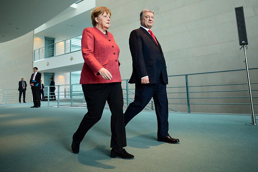 Ангела Меркель и Петр Порошенко (слева направо)