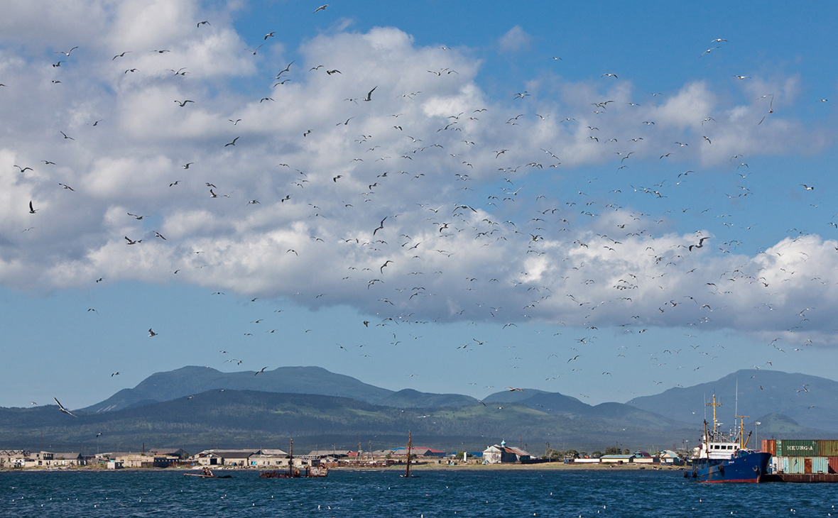 Вид на остров Кунашир