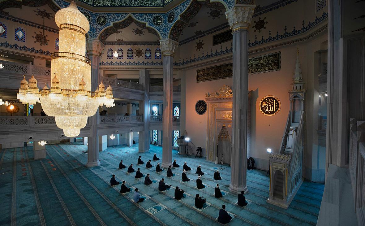 Празднование Курбан-байрама в Московской соборной мечети