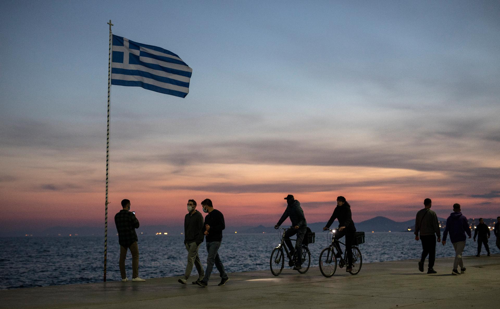Греция продлила разрешение на въезд для 4 тыс. россиян