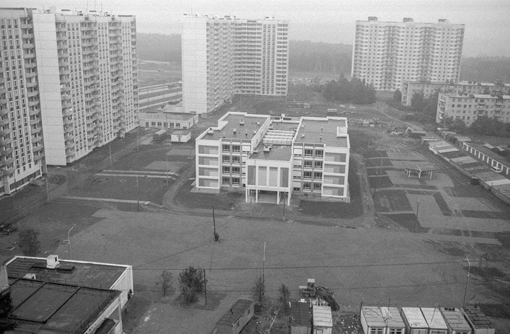 Новая школа во 2-м микрорайоне Митино. 1992год