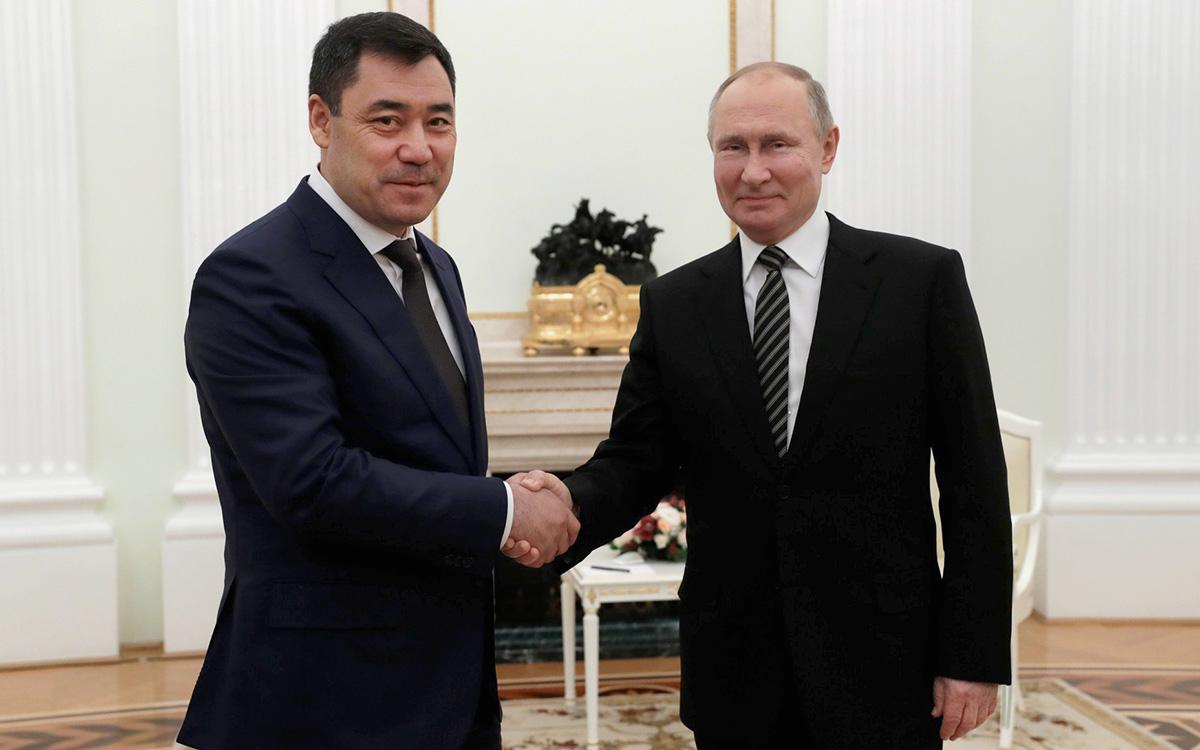 Садыр Жапаров иВладимир Путин