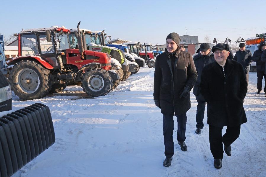 Фото:Юрий Лужков и губернатор Антон Алиханов на «Веедерне»