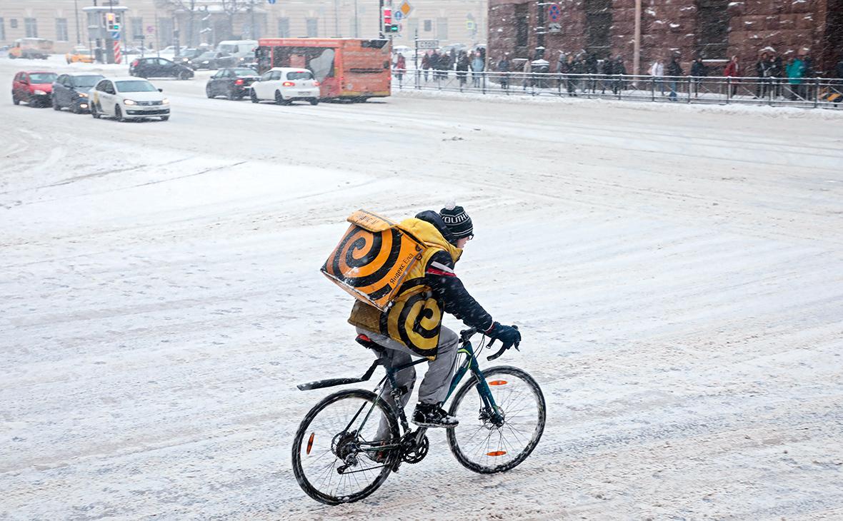 Сотрудник сервиса по доставке еды «Яндекс.Еда»