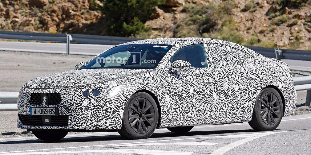 Peugeot 508  Во Франкфурте должна состояться официальная премьера второго поколения седана Peugeot 508. Продажи новинки в Европе должны начаться в начале 2018 года. Построен автомобиль на платформе EMP2 и, возможно, получит гибридную модификацию.