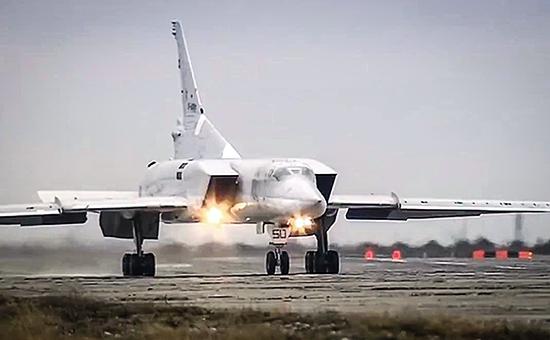 Боевой вылет дальних бомбардировщиков Ту-22М3 по объектам террористов ИГ в Сирии