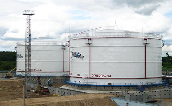 Нефтеналивной терминал компании «РуссНефть»